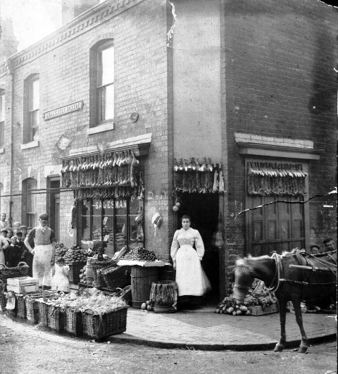 Devonshire Street Barratt Greengrocer cnr Devonshire Street and Ave.jpg