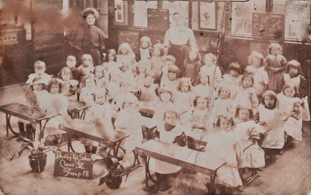 DUDLEY ROAD SCHOOL 1909/10         Cheryl Smith photo