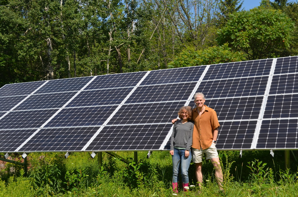 Net-zero home: Tonya and Adam Engst installed solar in conjunction with their ground-source heat pump. (Photo: Sarah Paez)