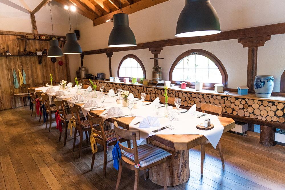 Kaminzimmer - Der ideale Ort für das gemütliche Beisammensein von Gruppen.Kapazität: 24 PersonenAb 16 Personen wird der Raum exklusiv vergeben.
