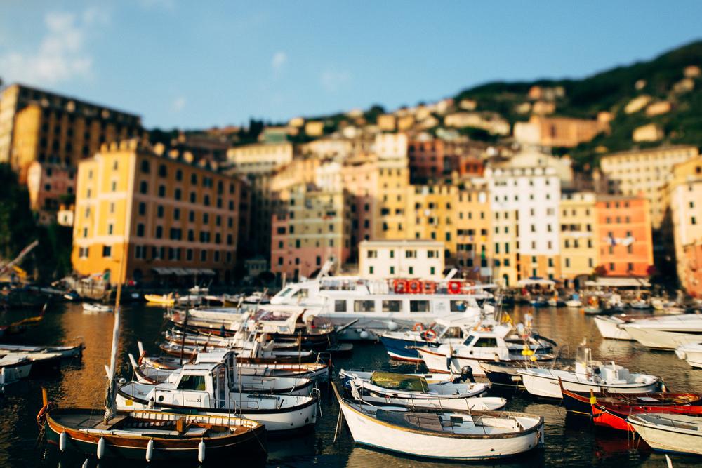 camogli-boats.jpg