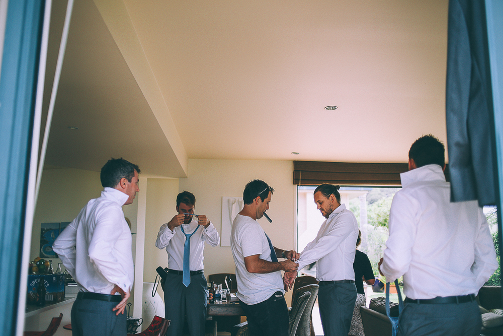 groomsmen-getting-ready.jpg