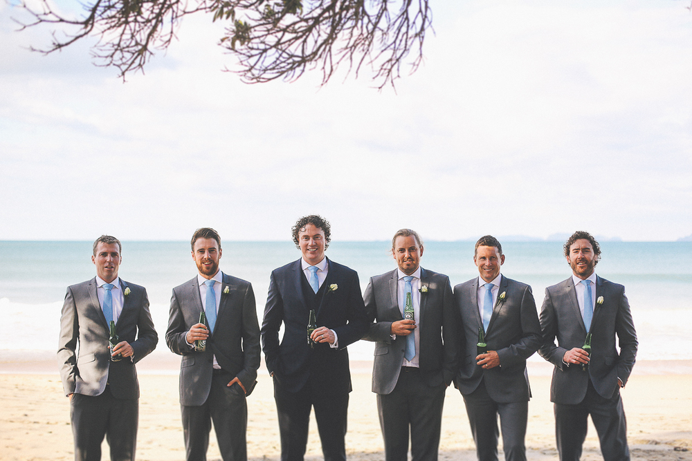 groom-groomsmen-beer.jpg