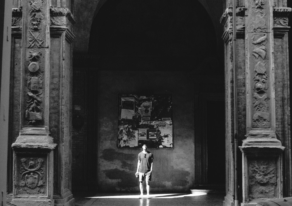shadow-light-bologna.jpg