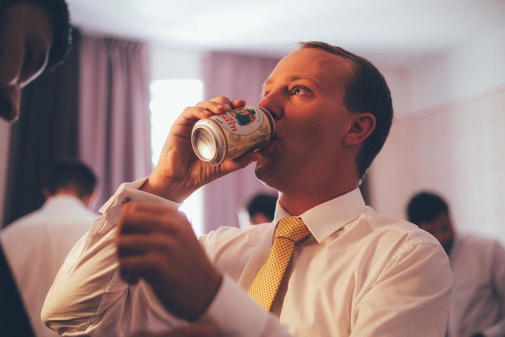 groom-beer.jpg