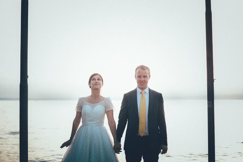 funny-bride-lake.jpg