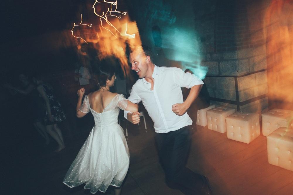 bride-groom-dancing-dogana-veneta.jpg