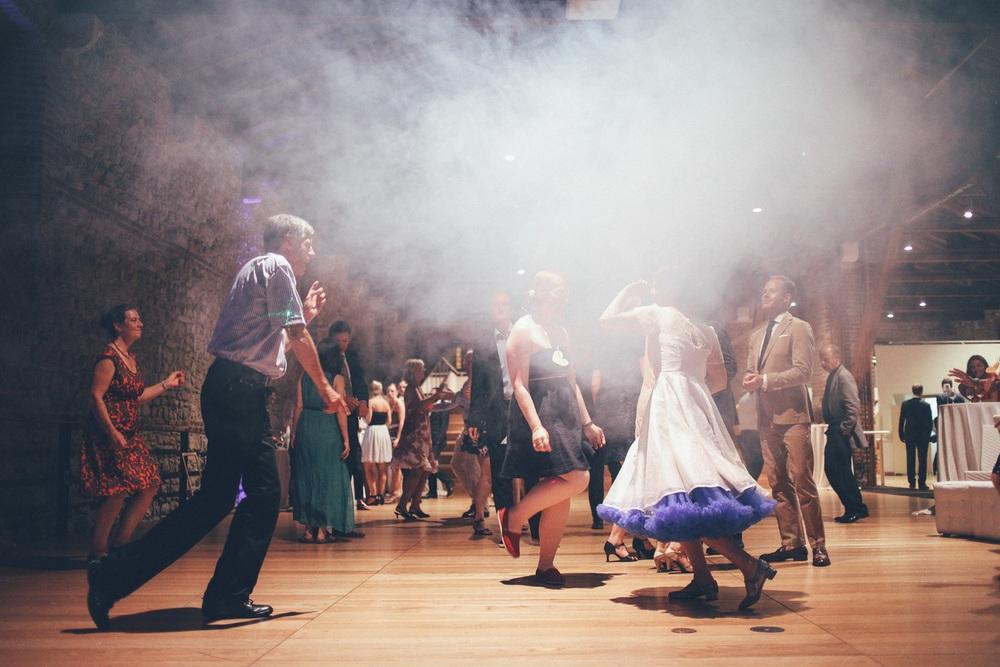 crazy-dancer-and-bride.jpg