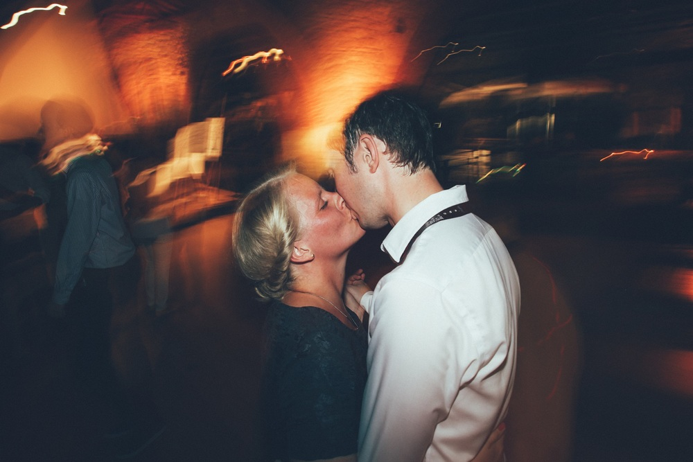guests-kiss.jpg