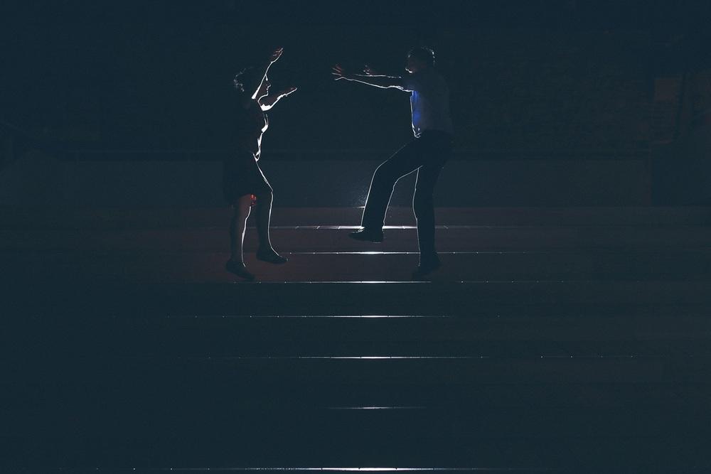 jump-dancers-backlight.jpg