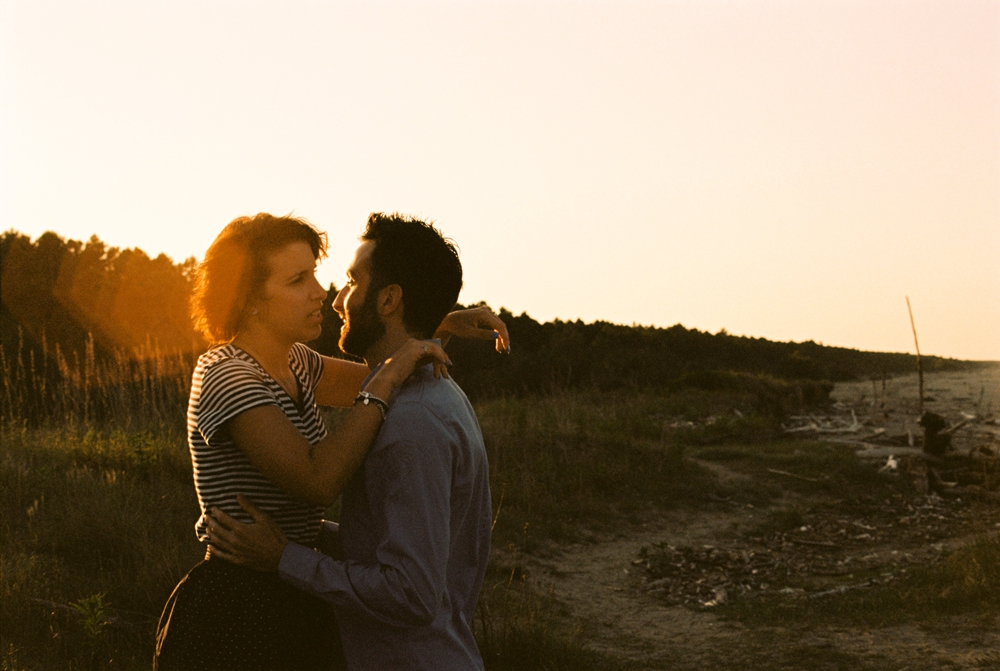couple-film-sunset.jpg