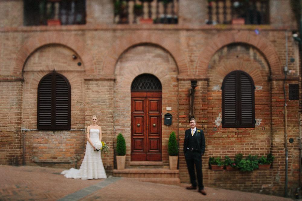 105-bride-groom-certaldo-tuscany.jpg
