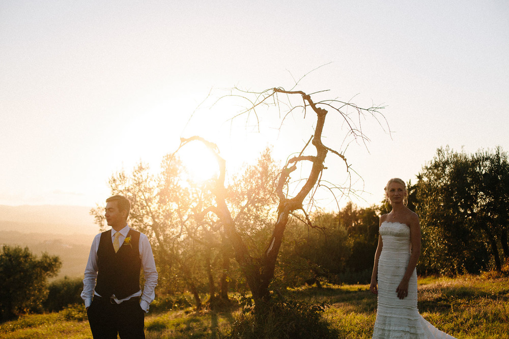 136-bride-groom-sunset-borgo-petrognano.jpg