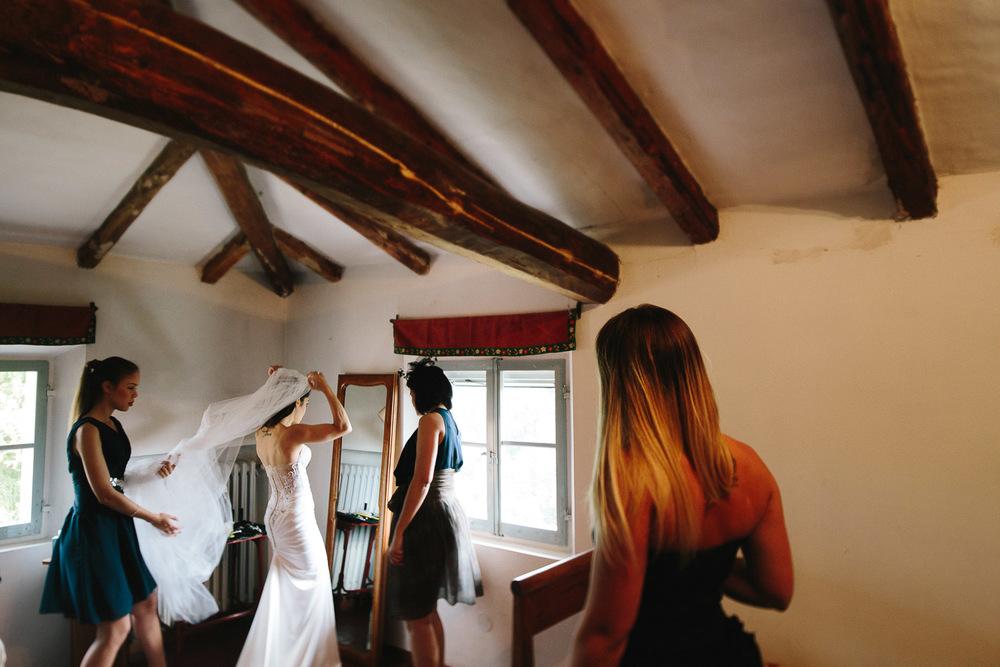 38-bride-veil.jpg