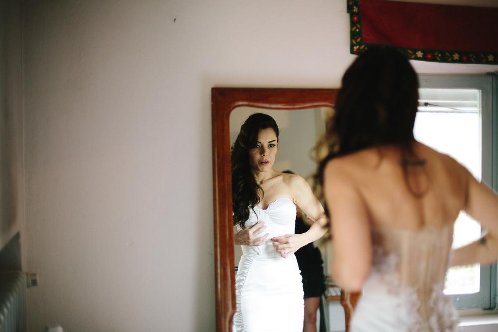 33-bride-mirror.jpg
