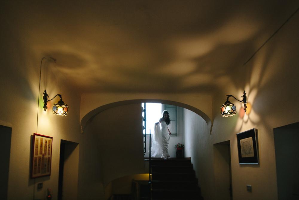 42-bride-stairs.jpg