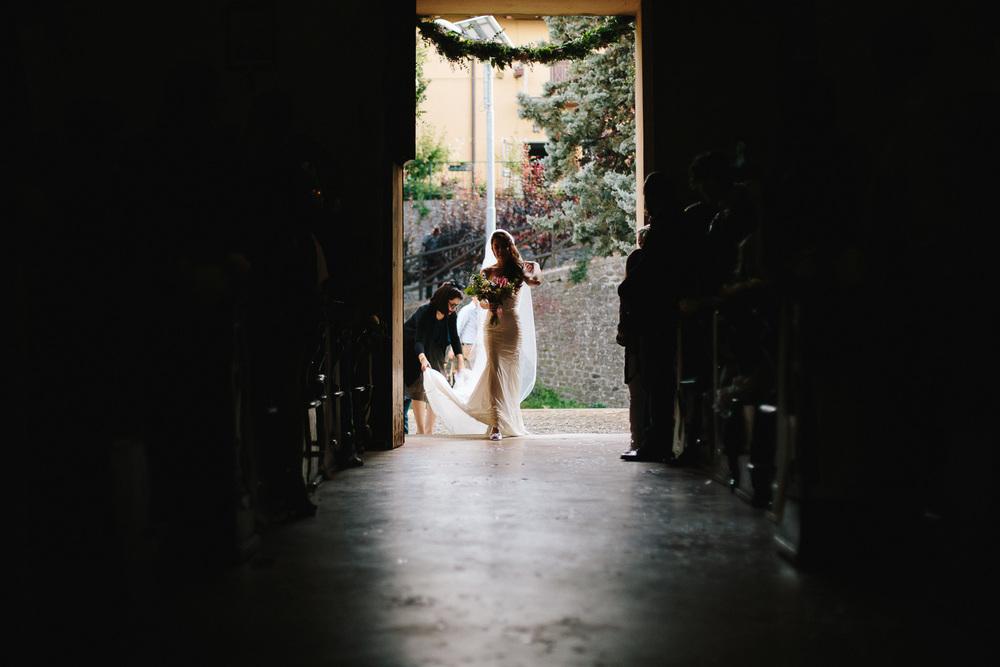 49-bride-coming.jpg