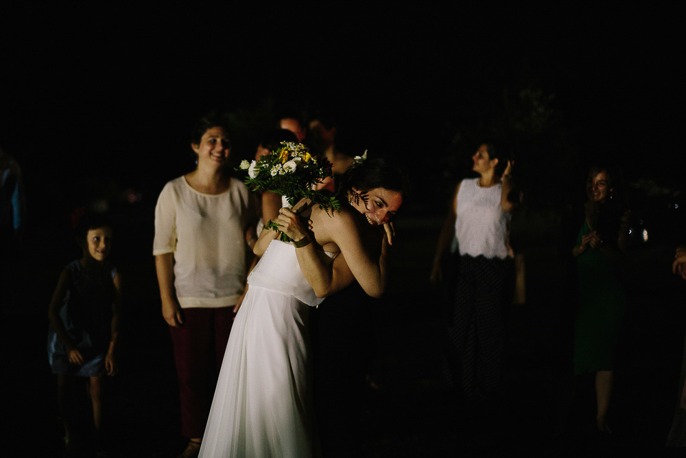 bride-give-bouquet.jpg