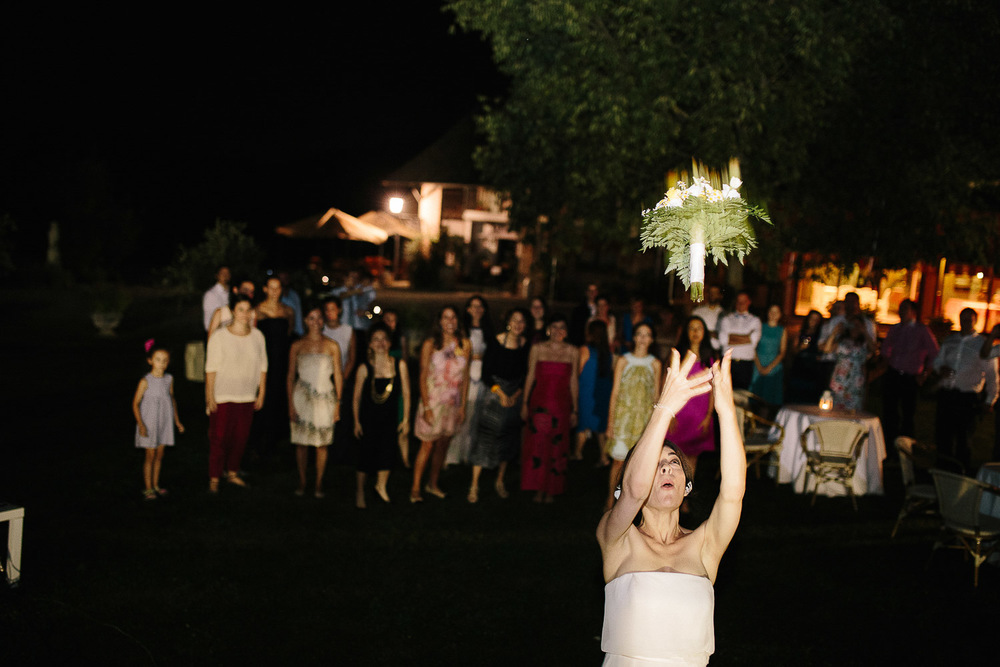 bride-bouquet-throwing.jpg