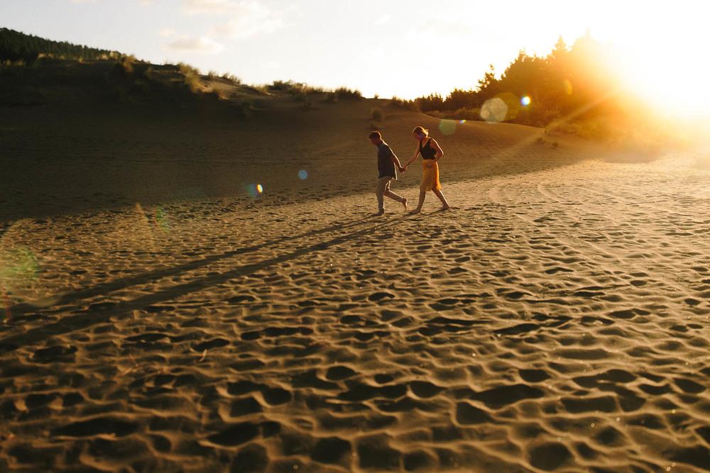engagement bethells beach - new zealand (5).jpg