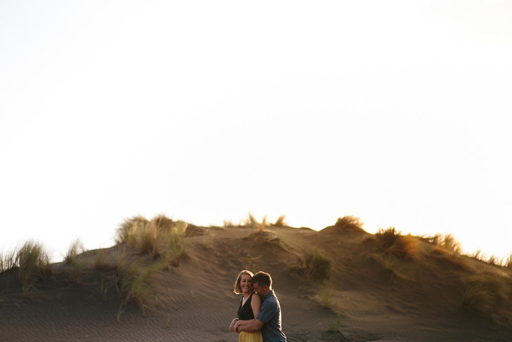 engagement bethells beach - new zealand (7).jpg