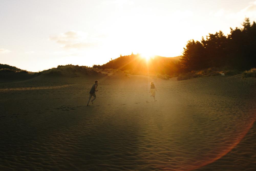 engagement bethells beach - new zealand (12).jpg