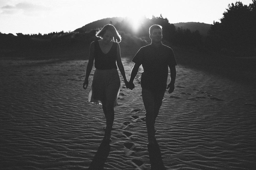 engagement bethells beach - new zealand (11).jpg