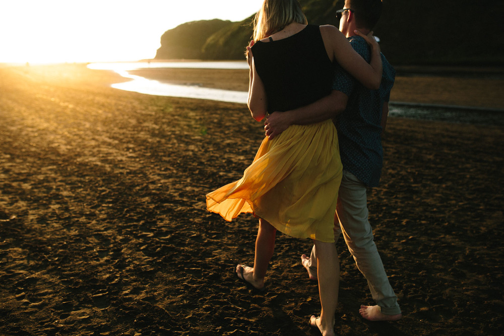 engagement bethells beach - new zealand (20).jpg