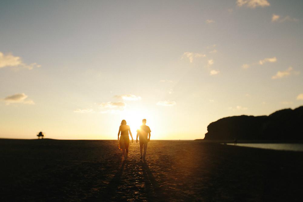 engagement bethells beach - new zealand (23).jpg
