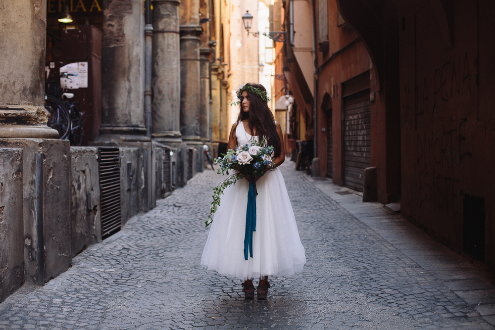 bride-in-bologna (3).jpg