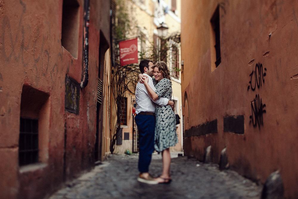 13-couple-rome.jpg