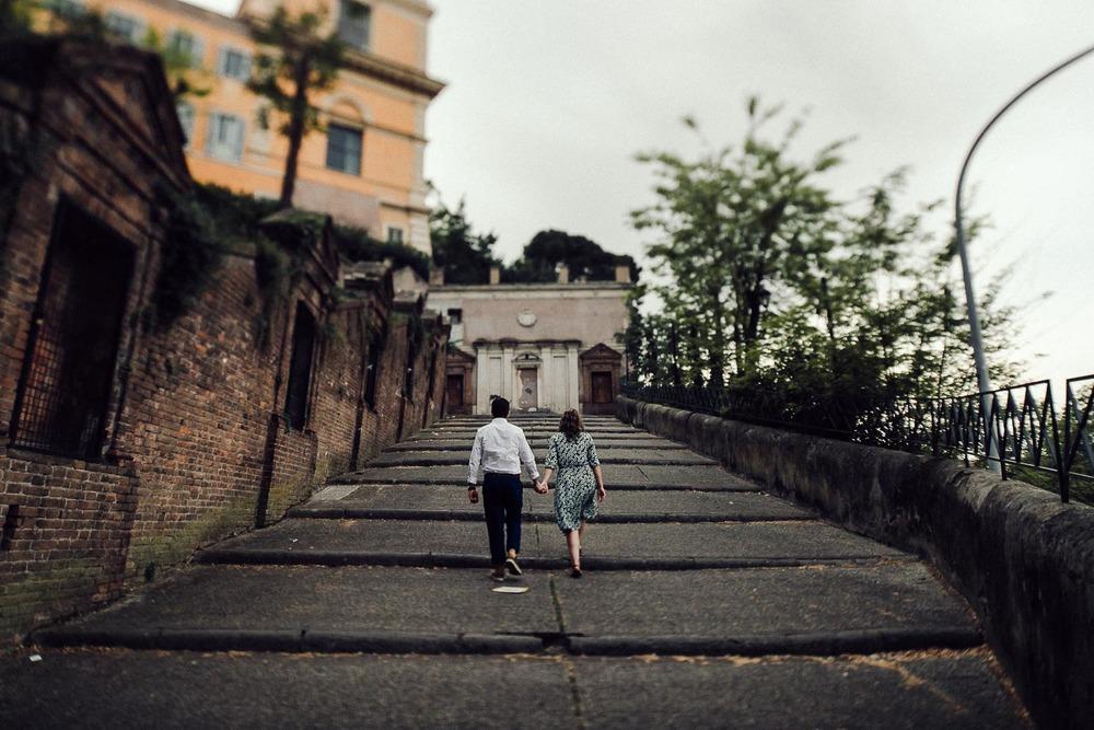 32-couple-in-rome.jpg