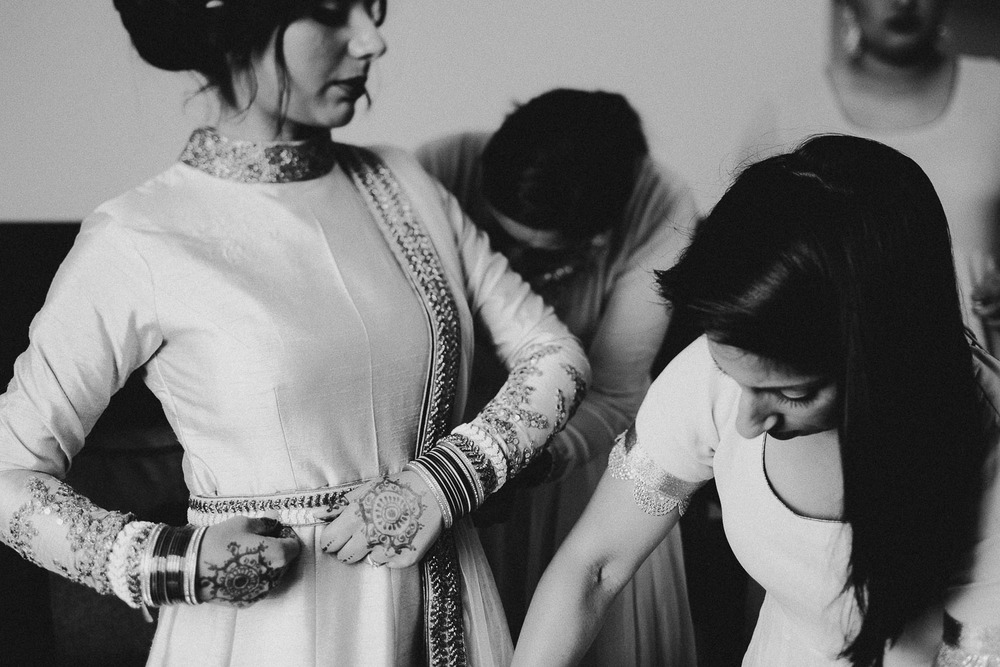 indian-bride-getting-ready (12).jpg