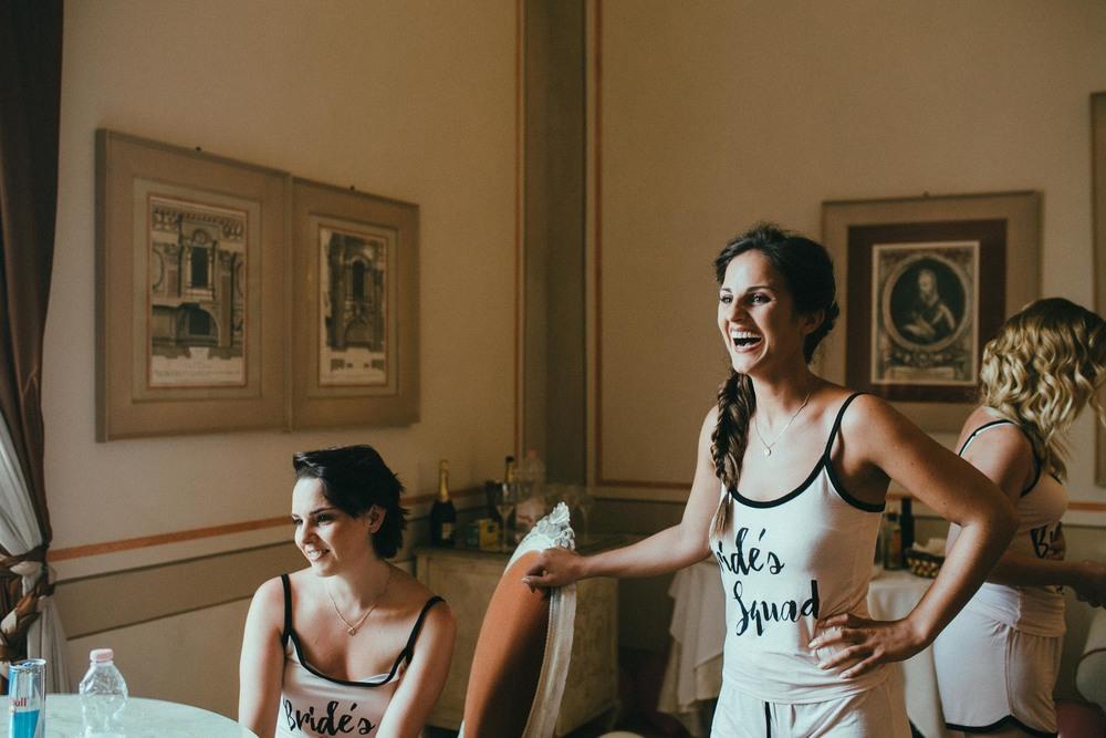 destiantion-wedding-in-tuscany-getting-ready (26).jpg