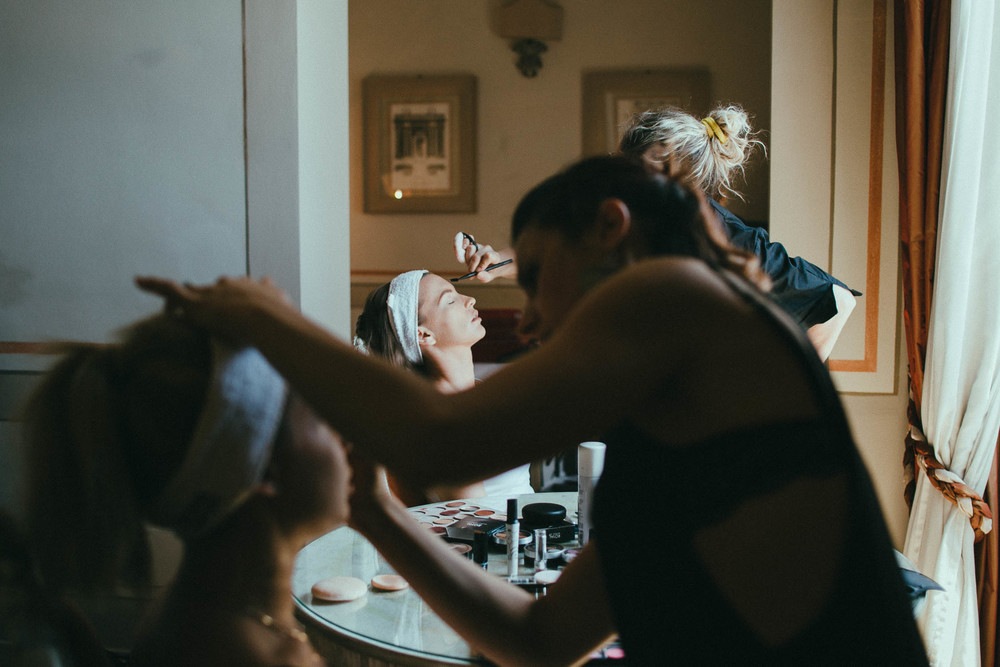 destiantion-wedding-in-tuscany-getting-ready (3).jpg