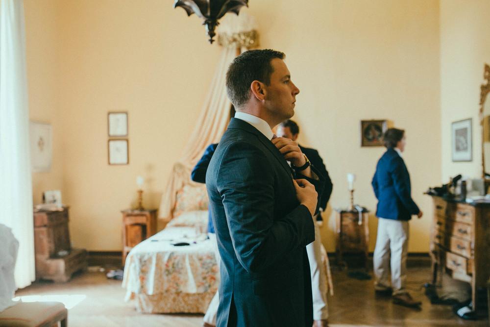 destiantion-wedding-in-tuscany-getting-ready (21).jpg