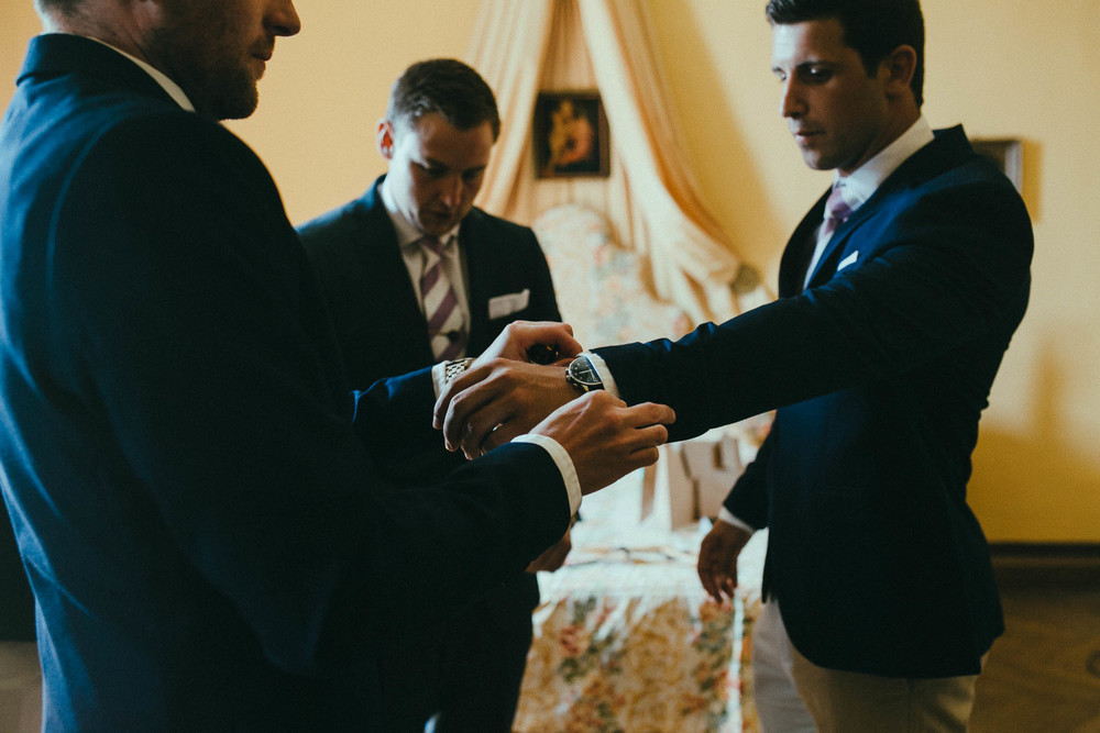 destiantion-wedding-in-tuscany-getting-ready (22).jpg