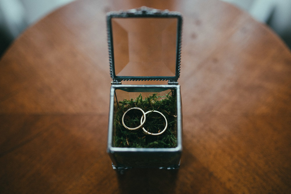13-wedding-rings.jpg