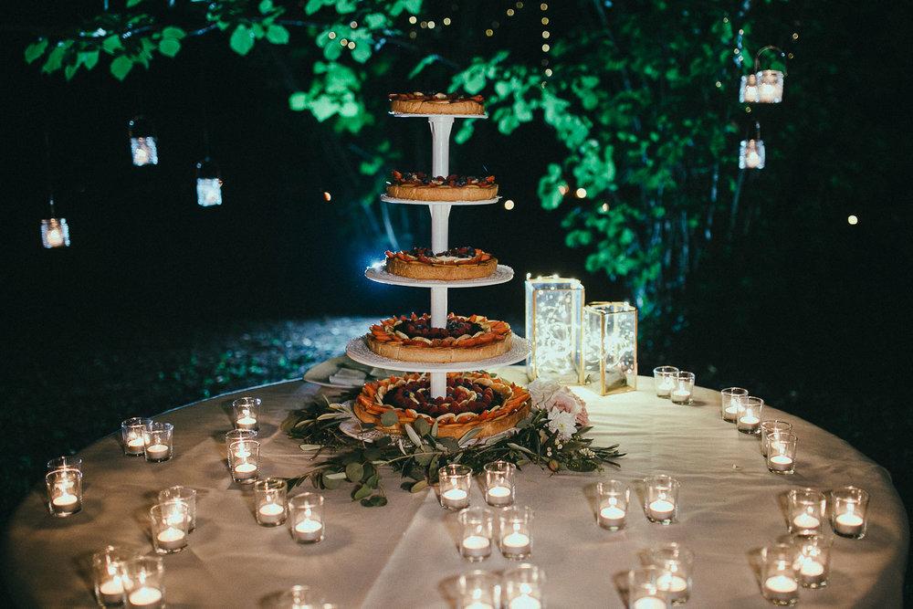 125-wedding-cake.jpg