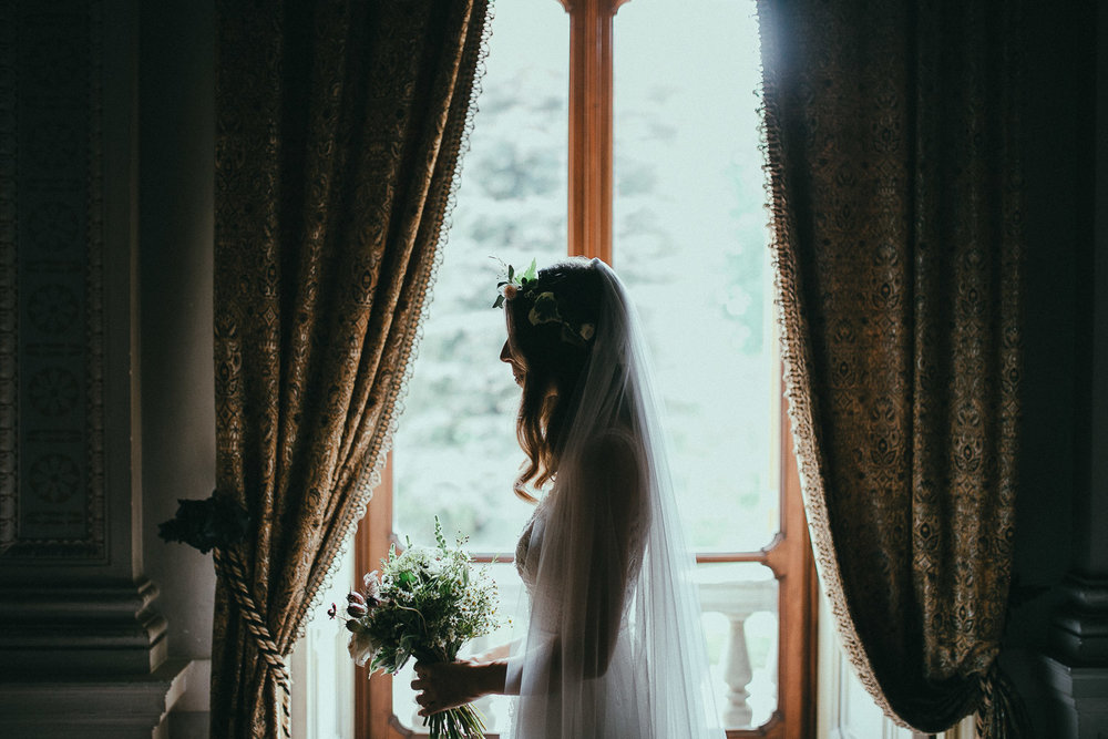 44-bride-portrait-bouquet.jpg