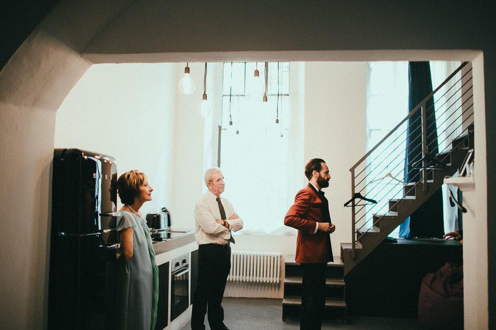 groom-getting-ready (13).jpg