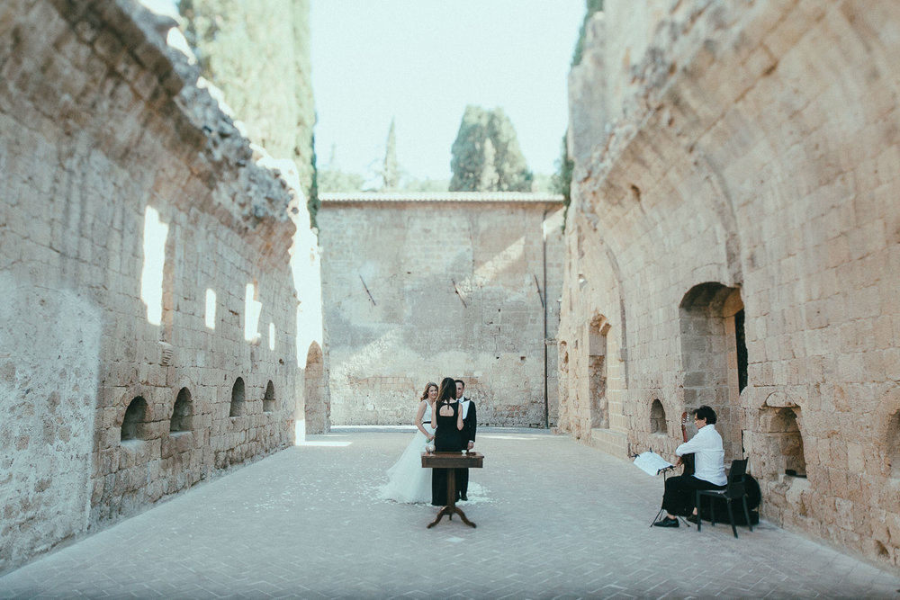 stylish-elopement-photographer-italy (59).jpg