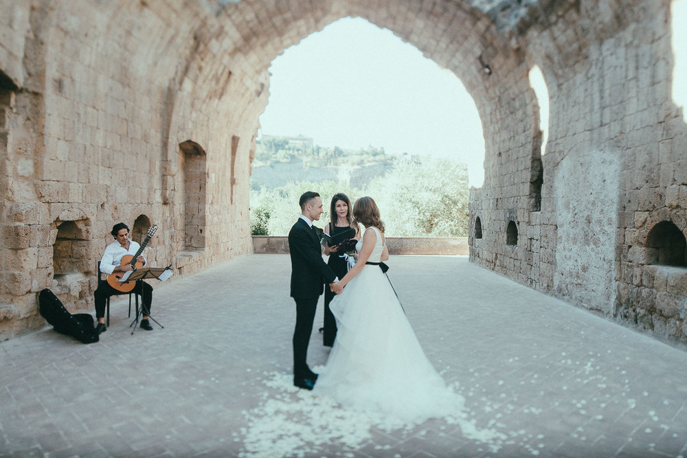 stylish-elopement-photographer-italy (63).jpg