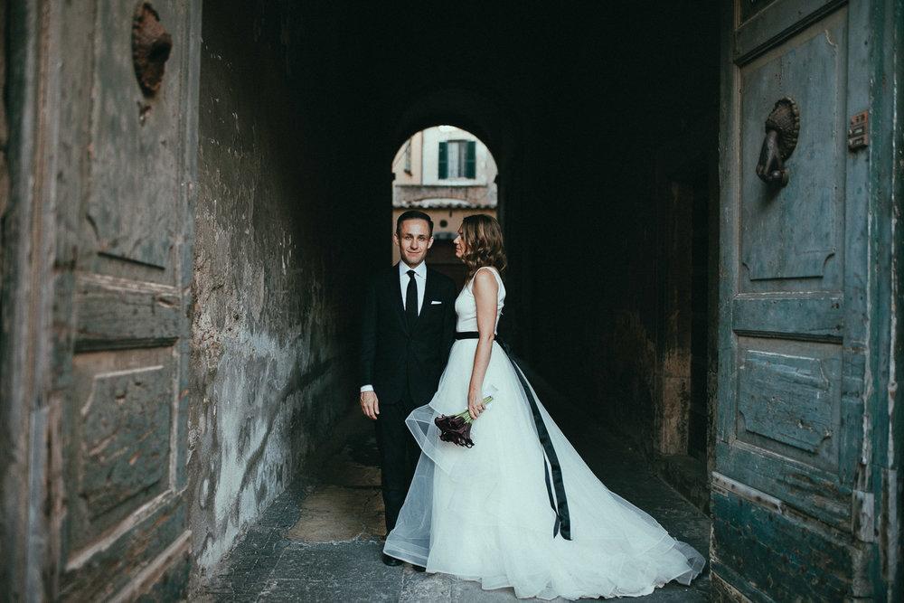 stylish-elopement-photographer-italy (109).jpg