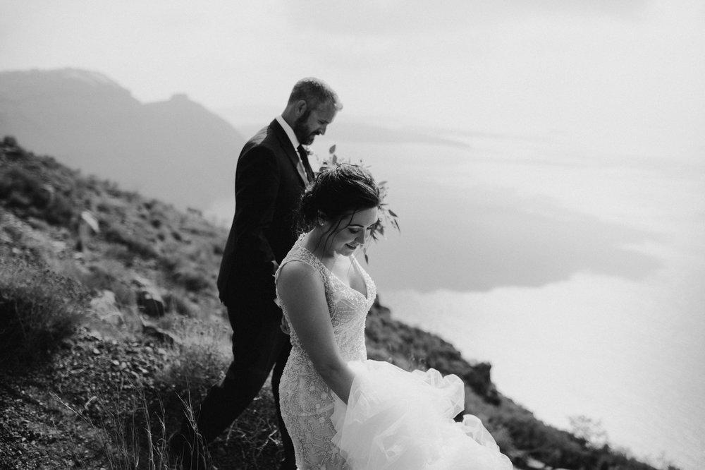 santorini-wedding-photographer23.jpg