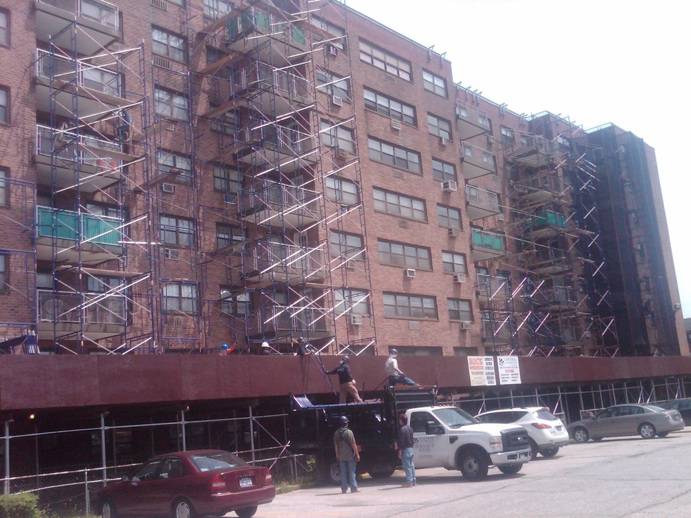 Pipe scaffold 4 buildings