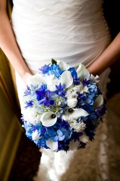 blue-white-bouquet
