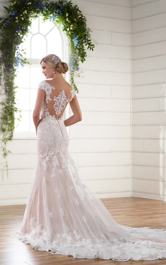 Lace cut tout side and cameo back wedding dress