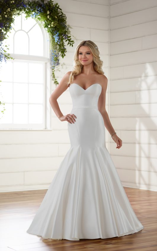 Chic and simple sweetheart strapless fit and flare wedding dress