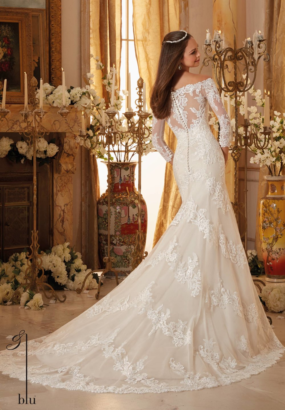 Chantilly lace Mori Lee bridal wedding dress